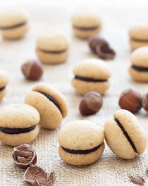 baci di dama (Italian hazelnut cookies)