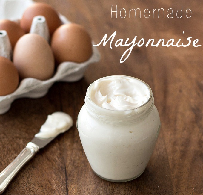 Homemade Mayonnaise In 30 SECONDS - For this easy recipe you only need: 5 ingredients, an immersion blender and a jar!