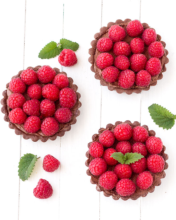 mini chocolate raspberry tarts