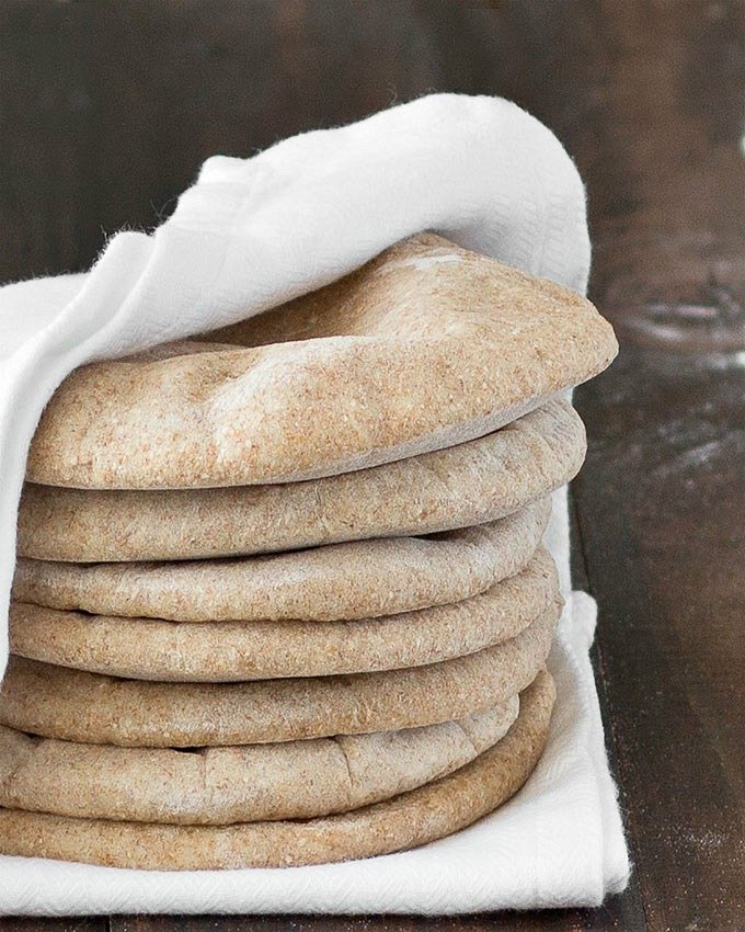 This homemade whole wheat pita bread is super easy to make, soft ...