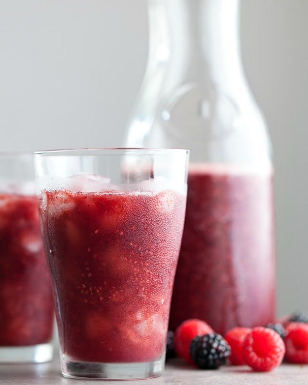 Berry-Rosehips-Chia-Agua-Fresca-from-gourmandeinthekitchen.com_