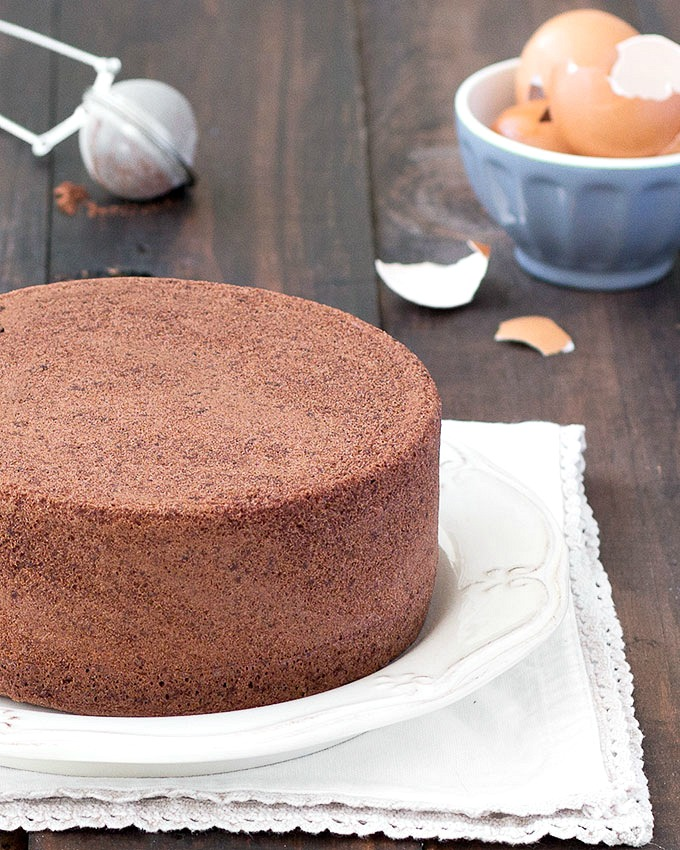 How To Make A Plain Chocolate Sponge Cake
