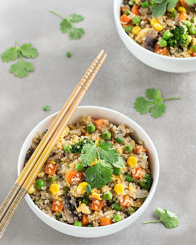 This quinoa fried rice is a quick, simple and healthy alternative to traditional fried rice. The recipe comes together in 30 minutes and even less if you have pre-cooked your quinoa.
