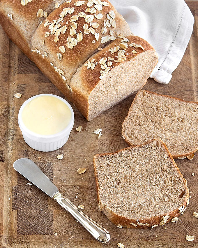 Whole wheat sandwich bread - soft, chewy and it stays fresh for days thanks to the tangzhong or water roux.