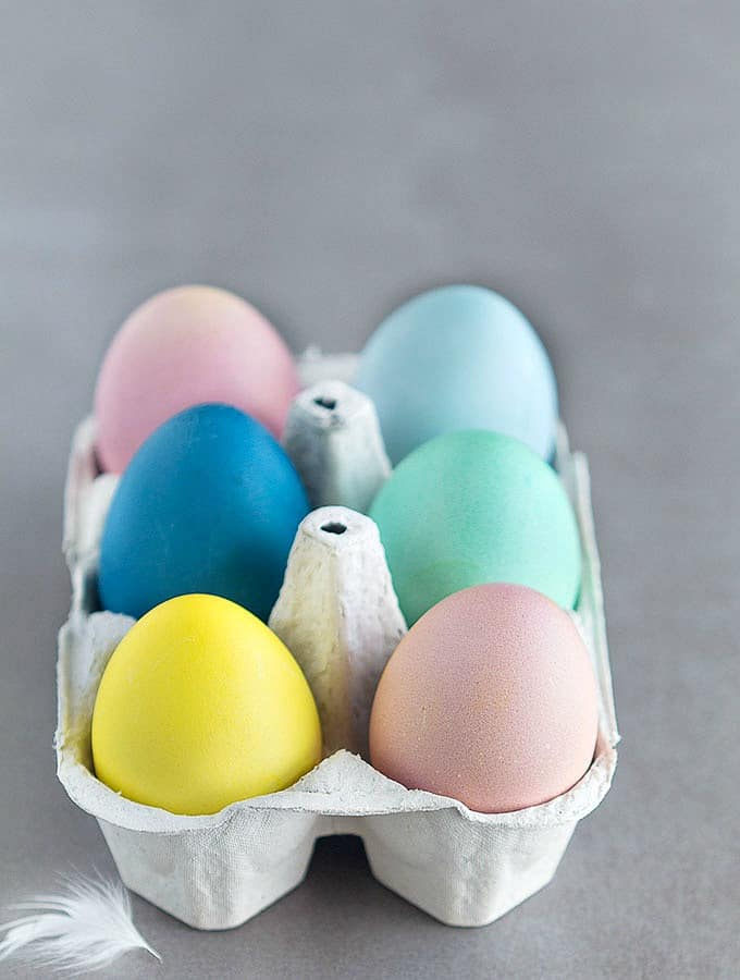 How To Dye Easter Eggs Naturally - As Easy As Apple Pie