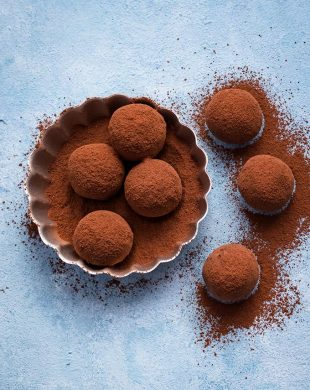Almond chocolate truffles coated with raw cacao powder